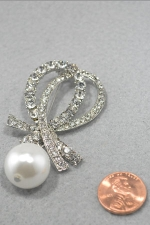 Pearl/Clear Large Dangle Pearl Double Swoop Pin