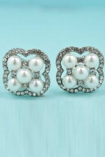 """Pearl/Clear Silver Four Pearl Stone 1"""" Post Earring"""