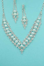 """Pearl/Clear Silver V Shape Round Stone 1' 1/4"""" Inch Earring"""