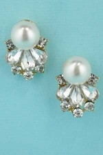 """Pearl/Clear Gold Crown Shape 0/8"""" Post Earring"""