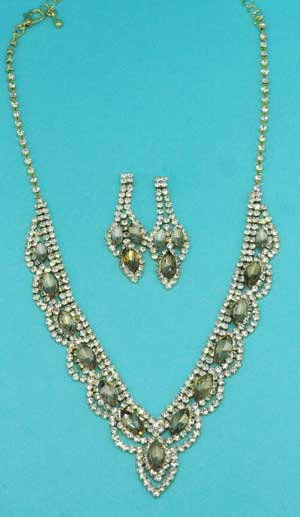 Light Colorado/Clear Gold Marquise/Round Stone Set