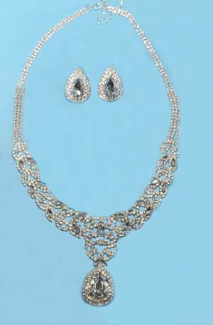 Clear/Silver Leave Shape Round Stone Set