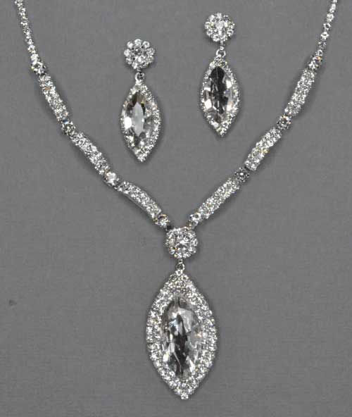 Clear/Silver Marquise Shape Necklace Set