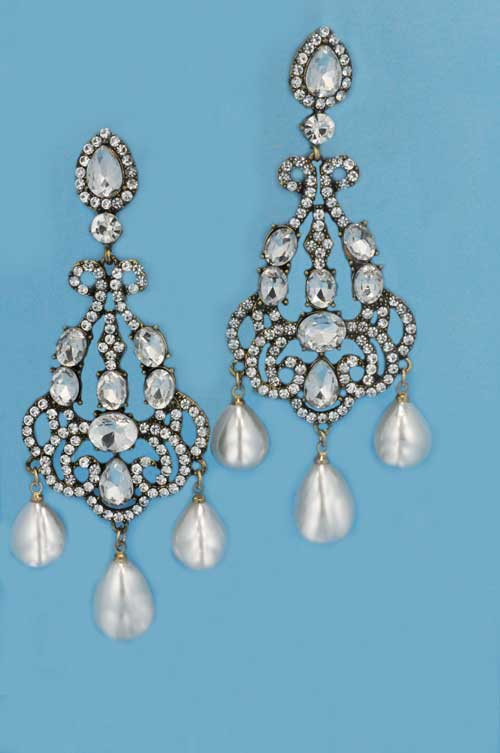"Pearl/Clear Silver 4"" Big Pieces Three Pearl Dancing Pearshape Earring"