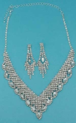 Clear/Silver Marquise/Small Round Stone Set