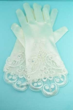 "Clear/Ivory Flower Shape Embroidery 2"" Gloves"