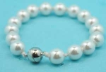 Pearl/10 mm Stretch Pear Bracelet