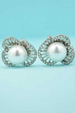 Pearl/Clear Flower Shape Round Stone Clip Earring