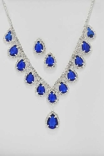 Sapphire/Clear Silver Pearshape V Necklace Set