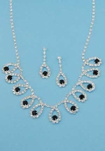 Jet/Clear Silver Multiple Pear Shape Center Round Stone Set