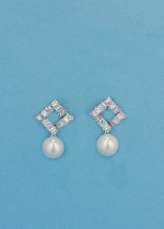"Cubic Zirconia/Pearl Top Diamond Shape 1"" Post Earring"