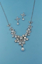 Cubic Zirconia/Pearl Silver Thin Chain Flower Shape Set