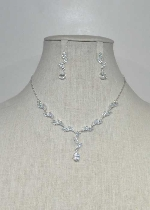 Cubic Zirconia/Silver Leaves Shape Thin Chain Set