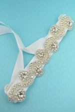 Clear/White Wave Shape Round Stone Belt