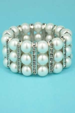 Pearl/Clear Three Big Pearl Stretch Bracelet