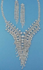 Pearl/Clear Silver Multiple Round Stone Set