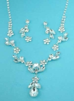 Clear Silver Flower Shape Set