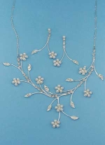 Pearl/Clear Silver Leaves Shape Set