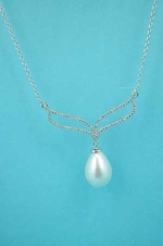 Cubic Zirconia/Pearl Silver Single Pearl Stone Wing Necklace