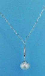 Cubic Zirconia/Pearl Silver Top Niddle Shape Necklace