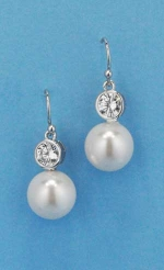 Cubic Zirconia/Pearl Two Linked Round Shape Earring