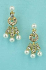 """Pearl/Clear Gold Three Pearls 1"""" Post Earring"""