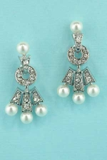 """Pearl/Clear Silver Three Pearls 1"""" Post Earring"""