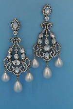 "Pearl/Clear Antique Gold 4"" Big Pieces Three Pearl Pearshape Earring"