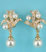 "Pearl/Clear Gold Clip Framed Multiple Pearls 1.5"" Earring"