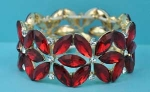 Siam Dark/Clear Gold Multiple Flower Shape Stretch Bracelet